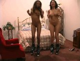 Mandy and Luna bounce their Naked Boobies on Roller Skates