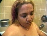 Mature fat slut gets her pussy eaten and gives a blowjob in the tub